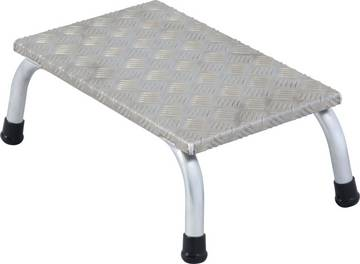 Der bewährte und leichte Aluminium-Montagetritt für anspruchsvolle industrielle Anwendungen mit rutschhemmenden Stufen.