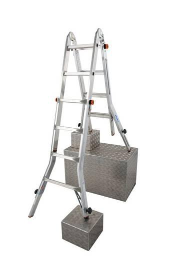 Einfach bedienbare, höhenverstellbare, treppengängige Steh- und Anlegeleiter mit Arbeitsbühnenfunktion (in Verbindung mit dem TeleBoard) und vier Holmverlängerungen zum Höhenausgleich.