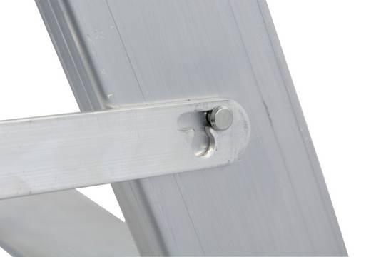 Stufen-Doppelleiter, fahrbar - Integrierte Zug- und Drucksicherung