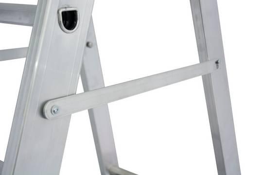 Stufen-Stehleiter, fahrbar- Integrierte Zug-und Drucksicherung für sicheren Stand