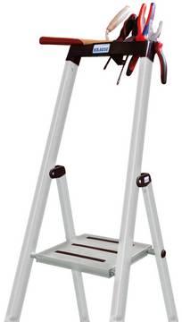 Stufen-Stehleiter Sepuro - Ablagefläche für Werkzeug und Kleinteile, mit Eimerhaken und zwei Kabelhaltern